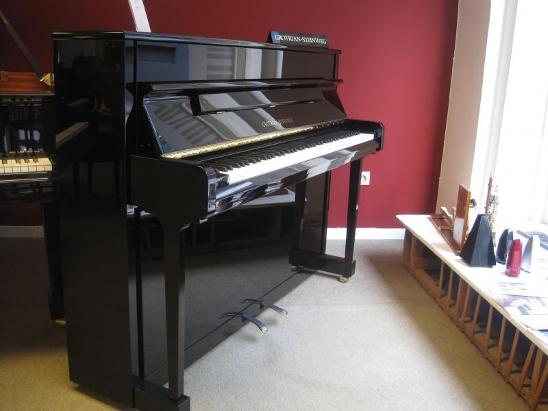 Klaviere und Flügel in Kiel